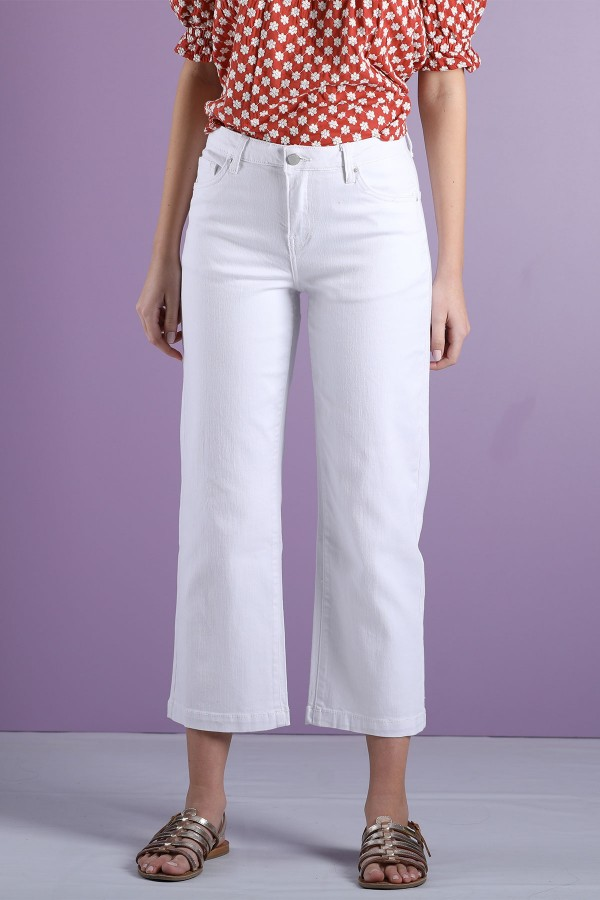 White Leg Cropped Jeans
