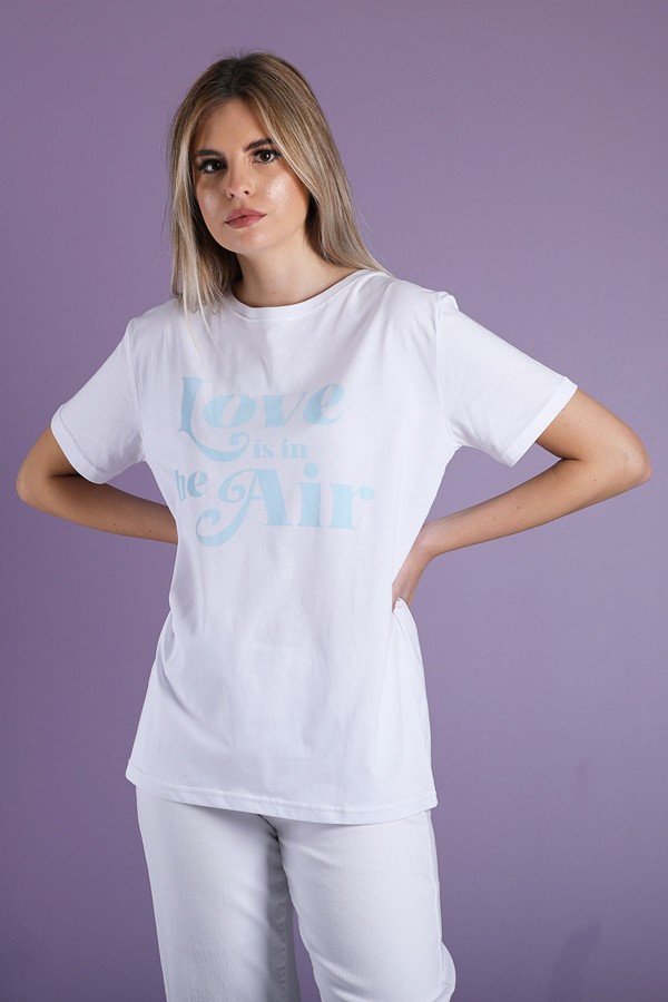 T-Shirt Love Is In The Air